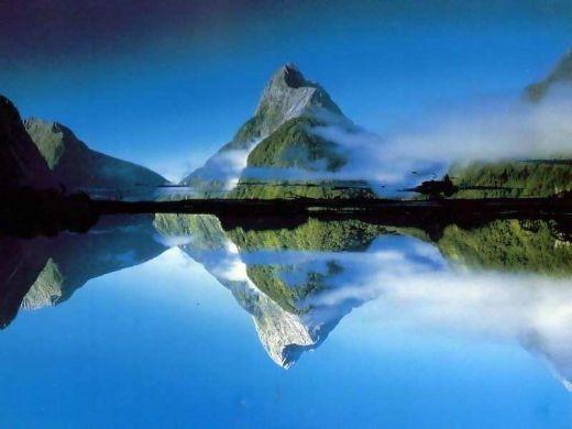Montanha Natureza+impressionante+montanha+e+lago