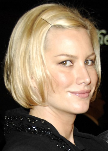 short bobbed, or short spiked hair styles, round faces generally look