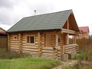 Стіни деревяної бані лазні