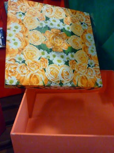 [caixa+laranja]