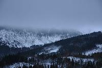 zamglone Karkonosze zima
