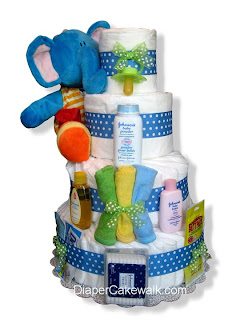 diaper cake as baby shower decoration ideas