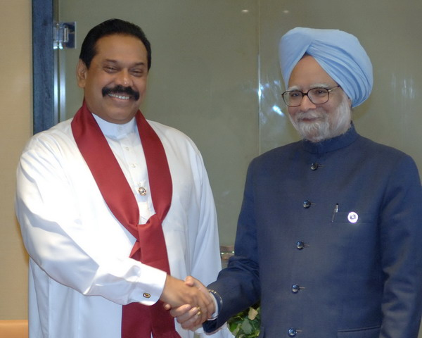 Mahinda Rajapakse, President, Sri Lanka with the Indian PM