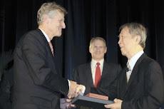 南部陽一郎氏(87)、地元シカゴ大学で「ノーベル物理学賞」を