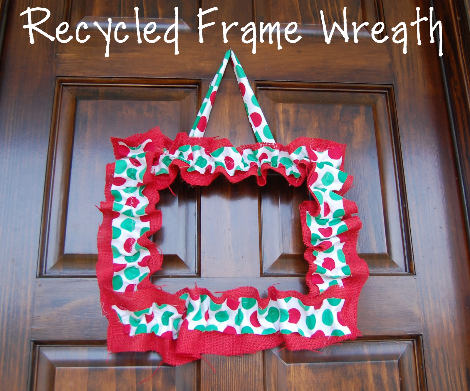 Random Thoughts of a SUPERMOM!*: Recycled Frame Wreath