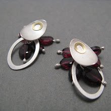 Oval leaf & loop earrings