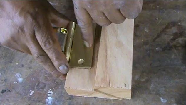 Decoraciones manualidades en madera como colocar una for Como poner una puerta de madera con marco