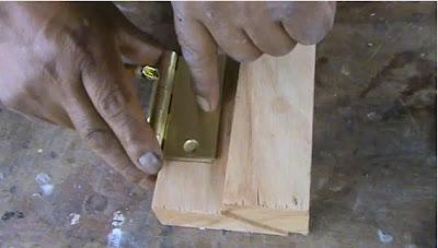 Decoraciones manualidades en madera como colocar una - Bisagras para madera ...