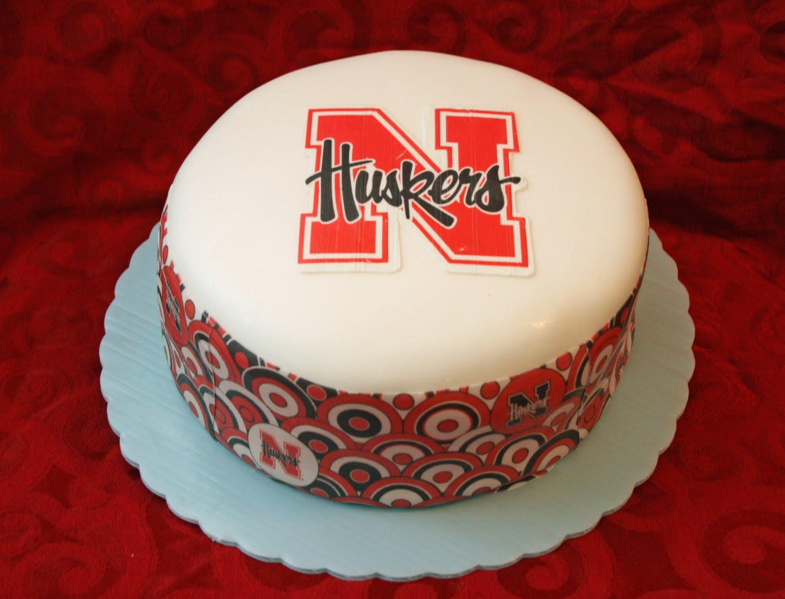 http://2.bp.blogspot.com/_4pnpOxCTd2A/TGFj0RTNOBI/AAAAAAAAC4U/eji4FR1zkfQ/s1600/nebraska+cake+finished.jpg