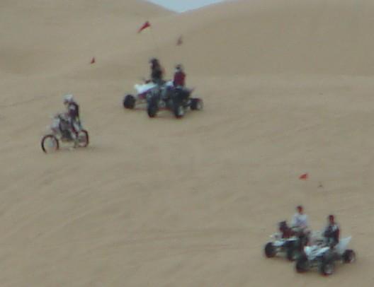 [usze+sand+dunes.jpg]