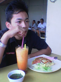 LunCh yG m'gEmBiRakAn
