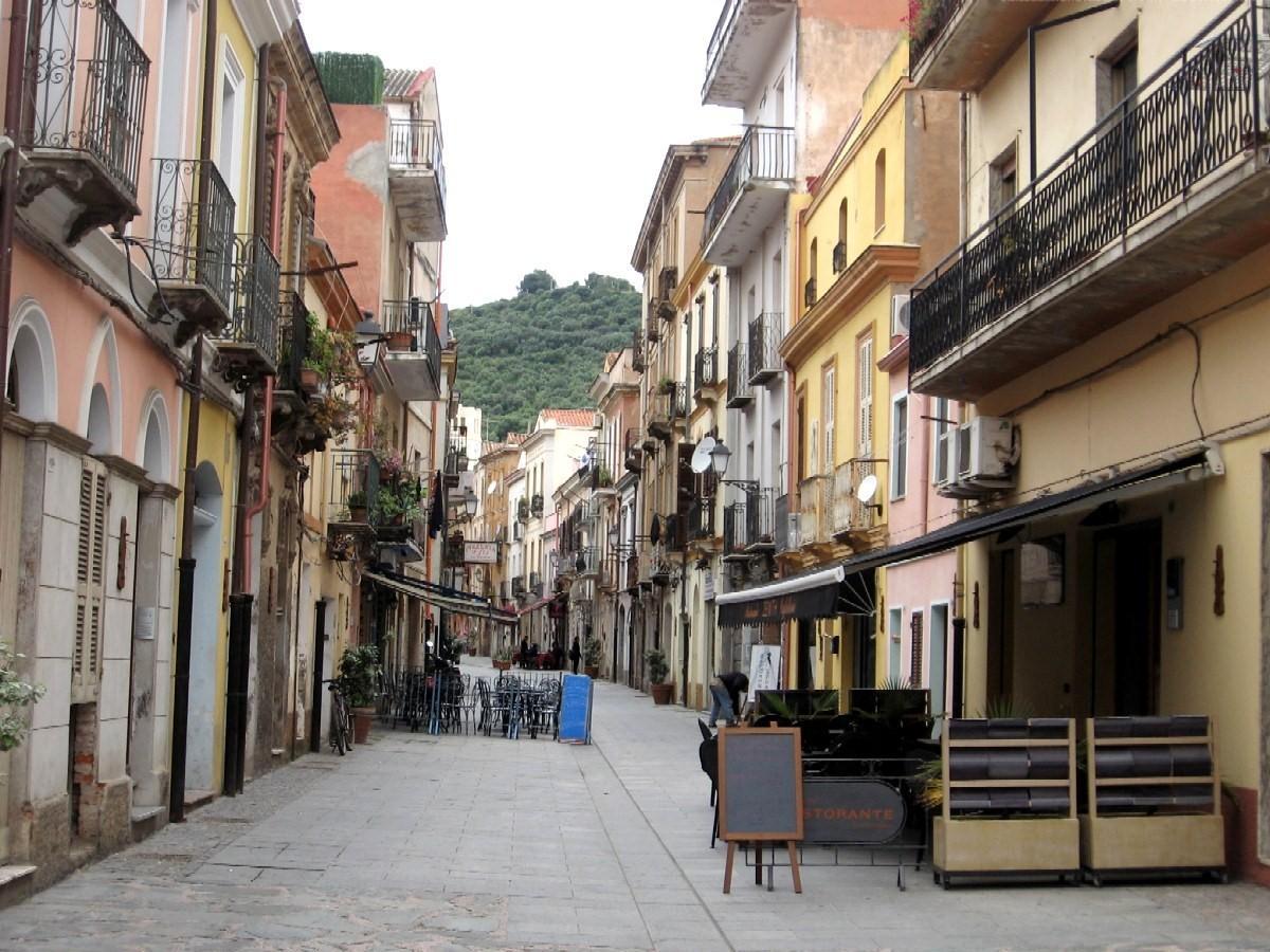 Иглезиас (Iglesias), Сардиния