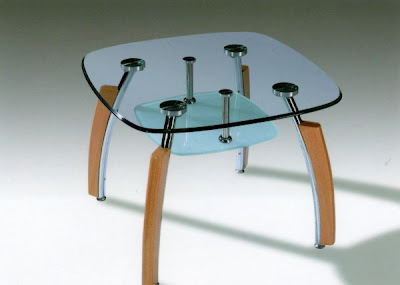 Square coffee table in glass