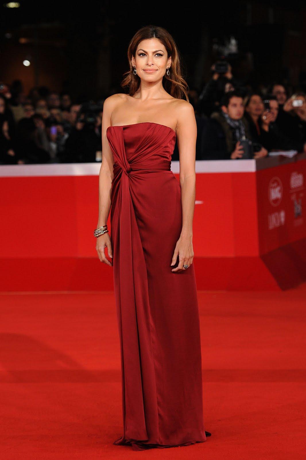http://2.bp.blogspot.com/_4ujpR8vDILE/TNNC7DCUciI/AAAAAAAAABA/PrT7pLFyQYM/s1600/Eva+Red+Dress.jpg