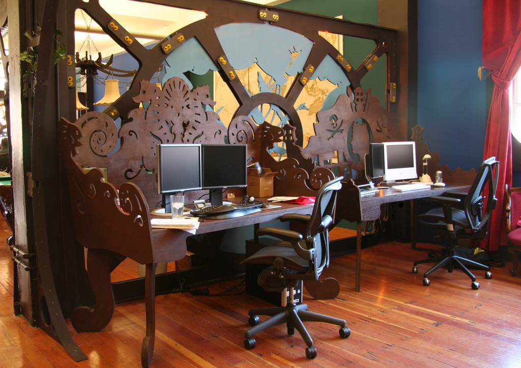 Enzy living steampunk interiors for Office interior decoration items