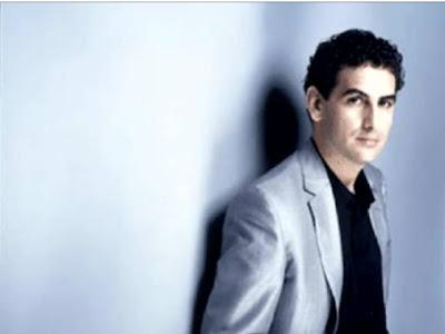JUAN DIEGO FLORES. UNO DE NUESTROS GRANDES REPRESENTANTES MUSICALES, AMANTE DE LA MÚSICA PERUANA.