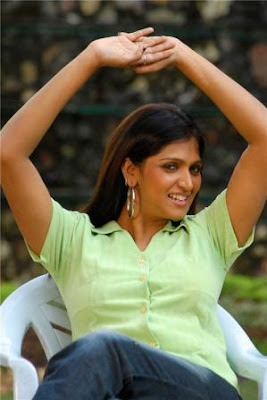 Tamil Malayalam Actress And Serial Actress Mulai Pundai Photo