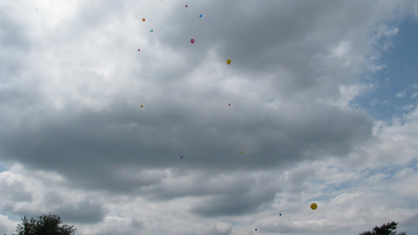 Faith's 1st birthday balloon release