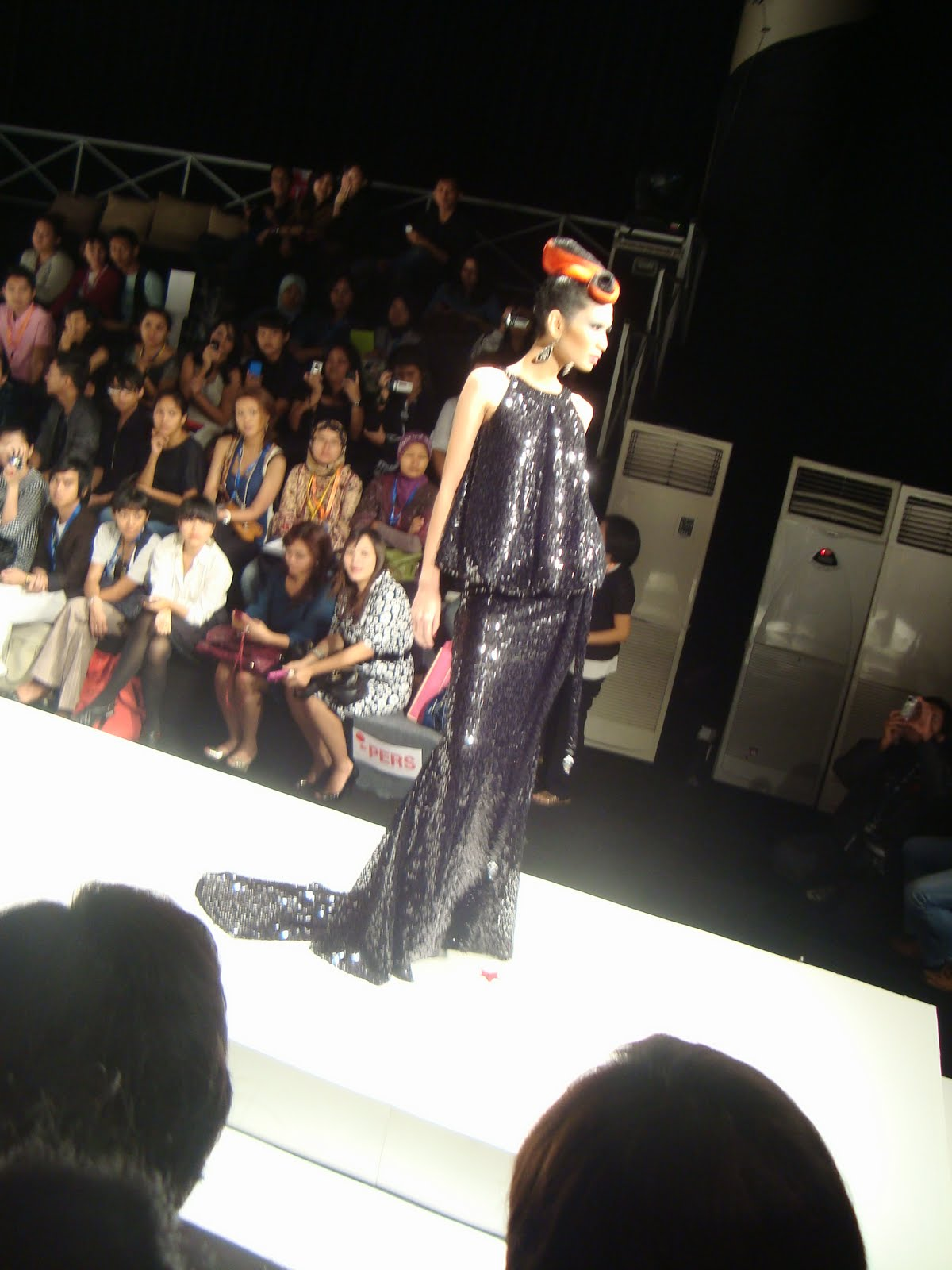 GAYA ARSHYALY: IVAN GUNAWAN Collection @JAKARTA FASHION ...