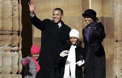 Their daughters, Malia Ann and Natasha, were born in 1998 and 2001