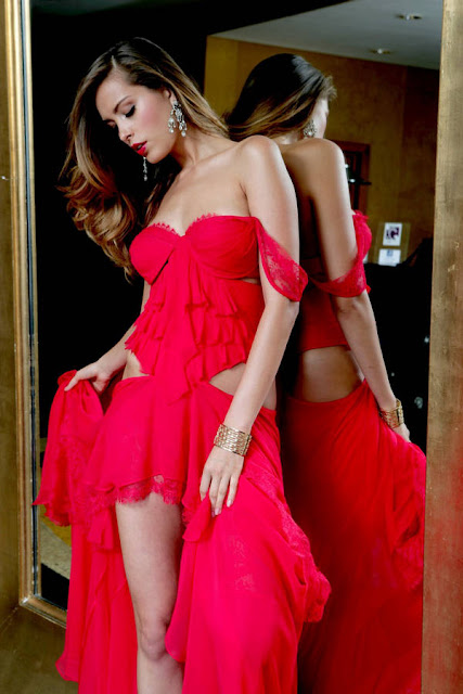 Hot Model Petra Nemcova in red photoshoot