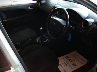 Ford Fiesta 1.6 Ghia interior