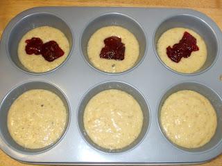 3 muffins con la marmellata di fragole
