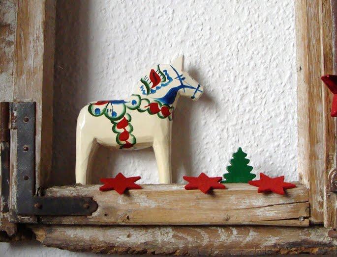 Shabby weihnachtsfenster mara zeitspieler for Altes fenster dekorieren