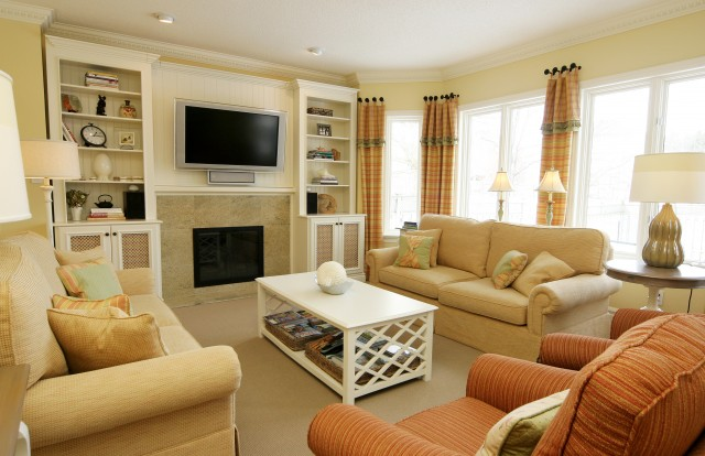 Decorating Family Room with Fireplace