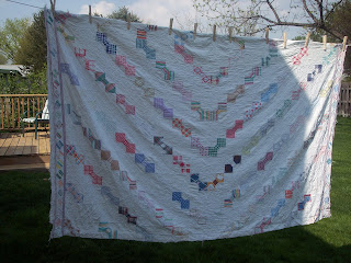 Bow Tie Quilt on The Clothes Line