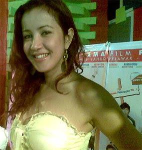 http://2.bp.blogspot.com/_557B57BAAlA/SJ74Fa14rSI/AAAAAAAAAJU/CYnHaFL54FA/s320/andi+soraya.jpg