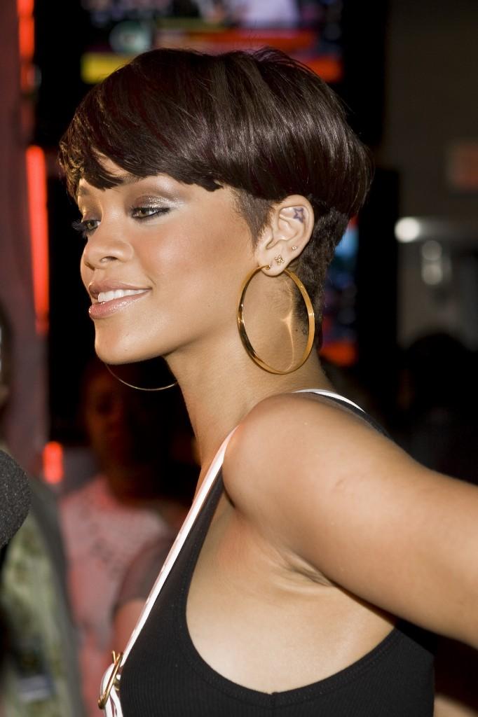 Rihanna Short Layered Crop Haircuts | simply4dreams
