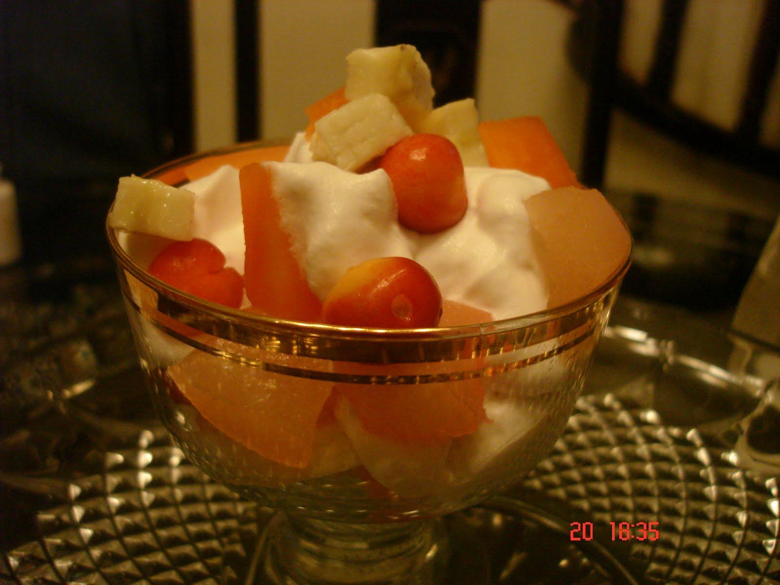 [whip+cream+fruit+salad+2.jpg]