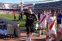 Juan Pablo Carrizo figura frente a Tigre