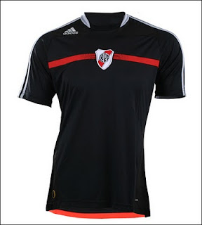 Nueva camiseta de River 2010 suplente negra alternativa