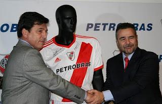 Petrobras sponsor de River Plate Daniel Passarella y Carlos Alberdo da Costa