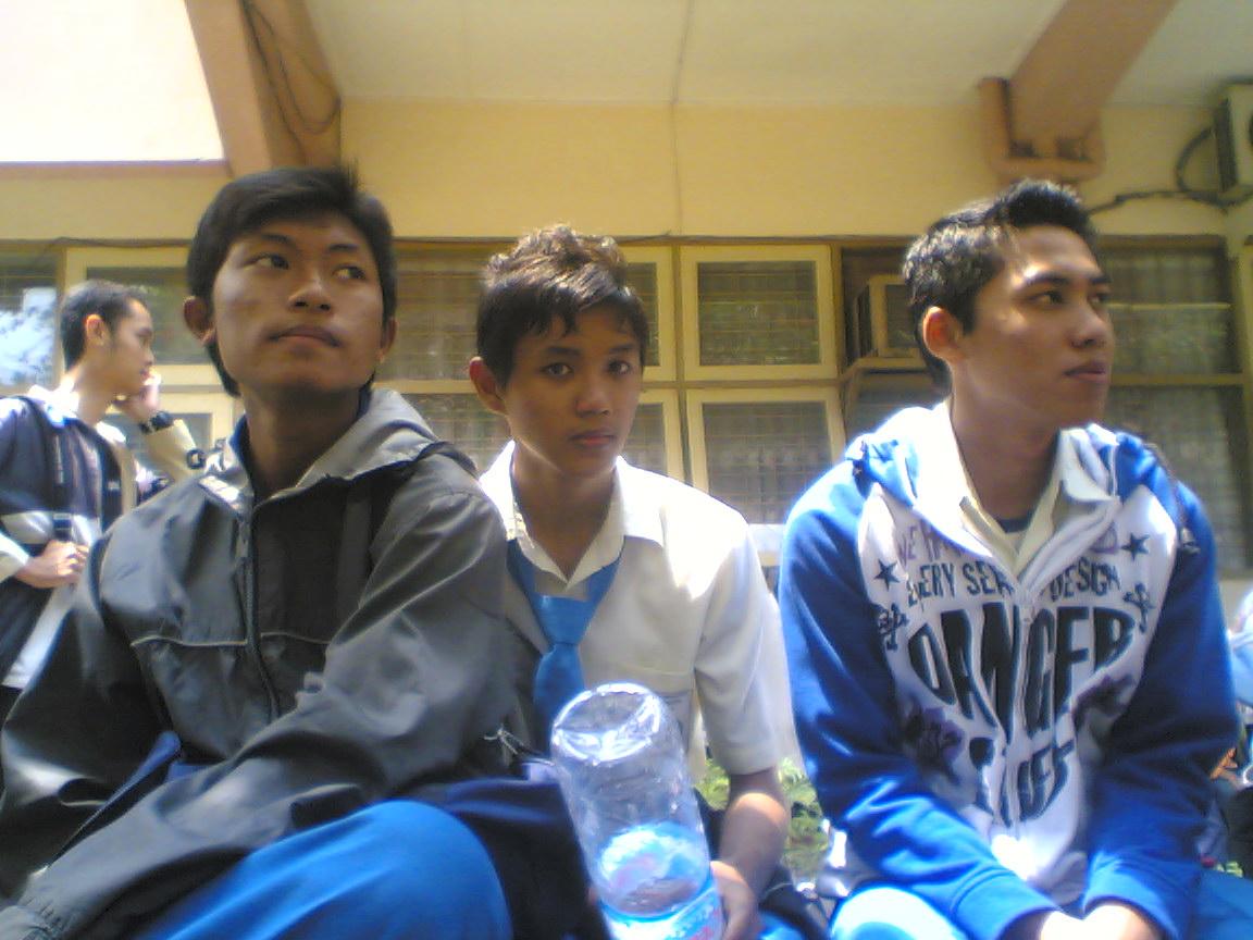 http://2.bp.blogspot.com/_56huTAOKkpY/TNHaa3DET8I/AAAAAAAAAYU/BxeQMo6NpJQ/s1600/Joko(jomblo+kocak).jpg