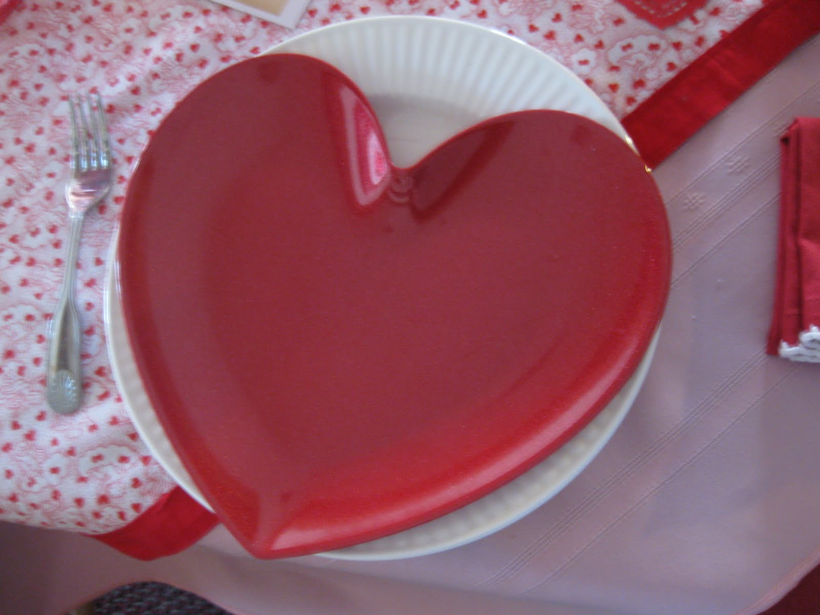 They were delighted with these heart shaped plates from Target. & Mid-Atlantic Martha: Tablescape Thursday - Valentine\u0027s with the ...