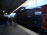B1136 at Stockholm Central station, surrounded by photographers