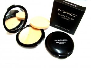 M.A.C single face powder RM16