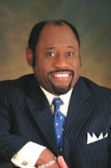 Dr e Pr Myles Munroe entrega Viso ao Pr Roboo A.D.C.C no Cimeb 11 09, Este tem Viso de Aguia ..