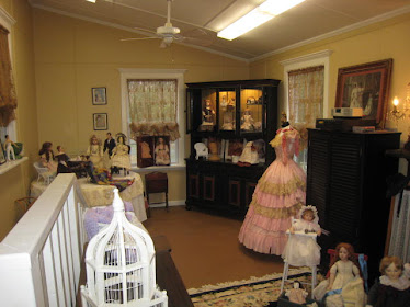 Lady with a Past doll studio