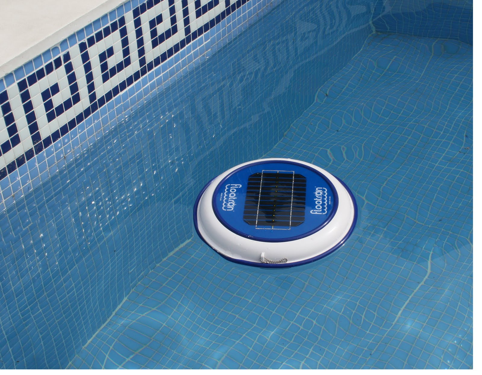 Filtro para limpiar las piscinas con energ a solar for Como limpiar el filtro de la piscina