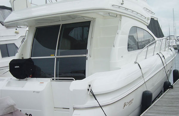 Cruisers 5000 Sport Sedan is very interesting and good designed yacht.