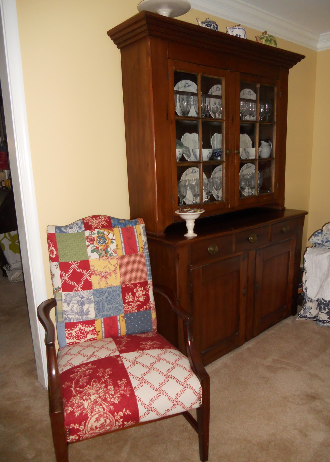 Aunt beth 39 s home part 2 for Living room hutch