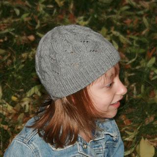 JL Yarnworks: Hermiones Cable & Eyelet Hat