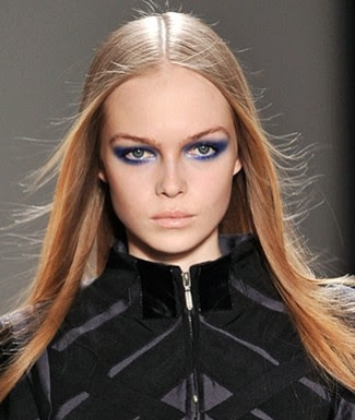 eye makeup blue eyes brown hair. blue eyes makeup for long blond hair. brown hair blue eyes makeup