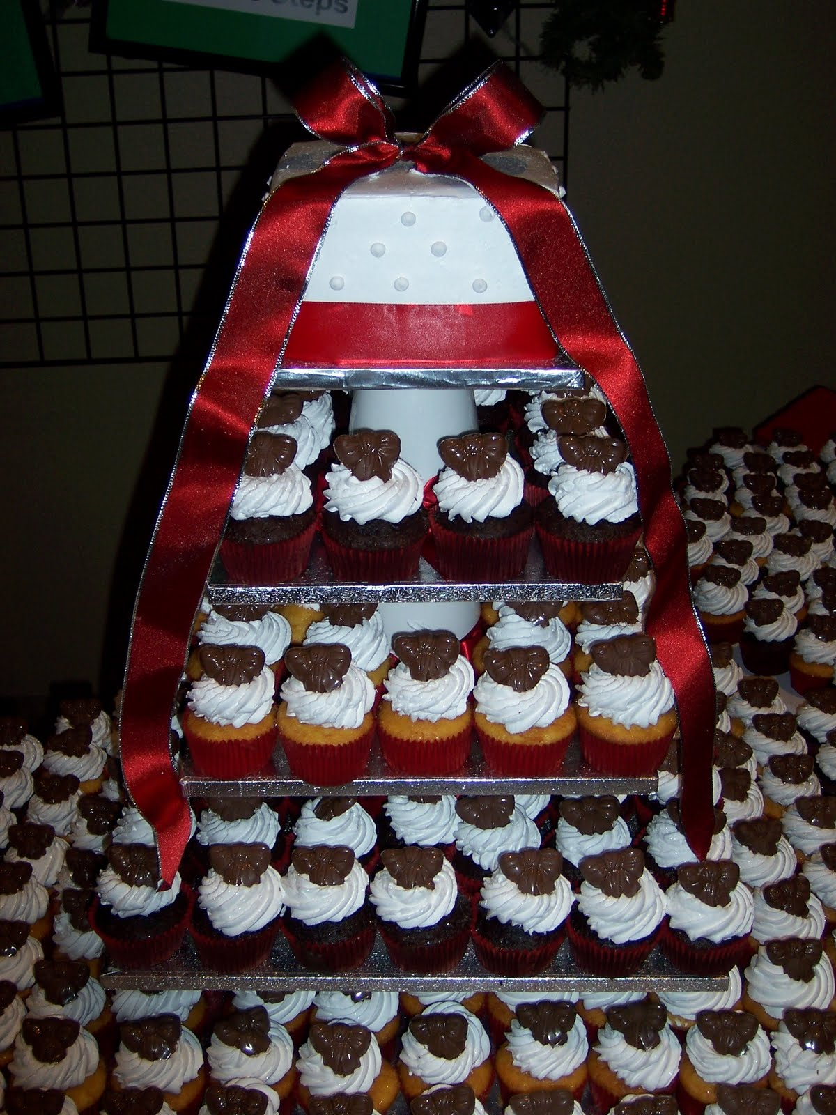 Cups N Cakes Red Cupcake Wedding