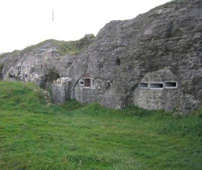 Más fortificaciones de la zona