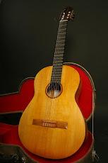 Adquiere tu guitarra de concierto con facilidades